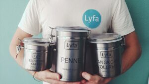 Plastic free groceries with Lyfa