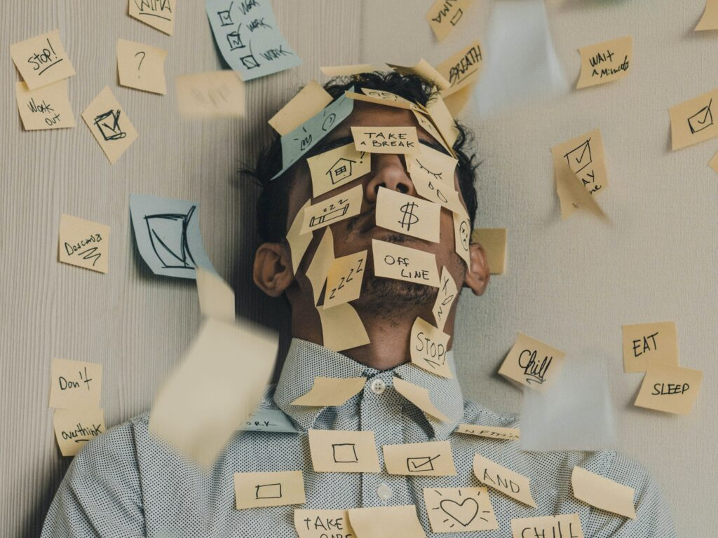how to keep calm and carry on in times of crisis with Femke Kroes and Hadleigh Fischer_picture of a man with sticky notes